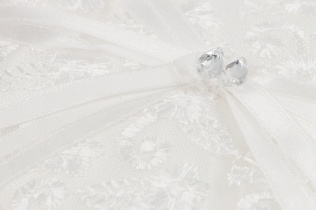 Rankų darbo pagalvėlės vestuvių žiedams. Tautvydo fotostudija Vilniuje